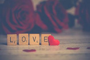 Salgótarjáni társkeresők mottója: szerelem szó kirakósból