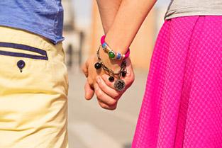 Zalaegerszegi társkeresők kedvence párként sétálni, kéz a kézben
