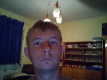 János 34 éves társkereső profilképe