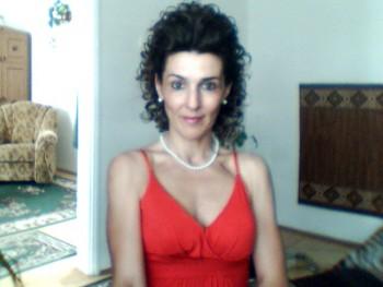 Csilla 53 éves társkereső profilképe