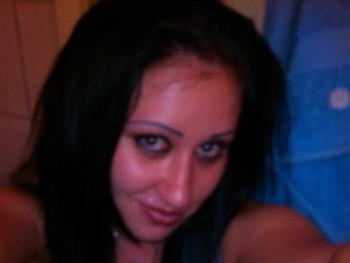 Evy 30 éves társkereső profilképe