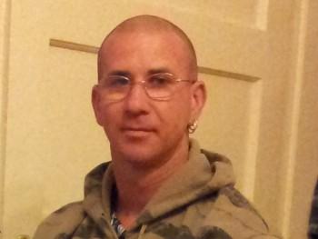 suzuki79 41 éves társkereső profilképe
