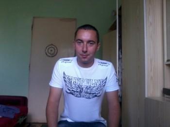 csakegysrác 31 éves társkereső profilképe