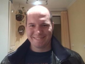 csabi202 34 éves társkereső profilképe