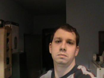 Davessz 32 éves társkereső profilképe