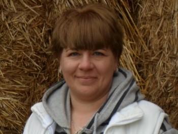 eszmeralda 42 éves társkereső profilképe
