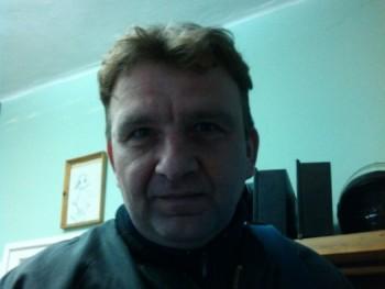 TIBCSI11 47 éves társkereső profilképe
