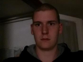 Kesi 29 éves társkereső profilképe