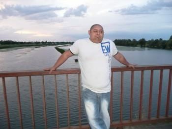dekman 44 éves társkereső profilképe