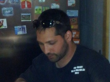 rolcsi 39 éves társkereső profilképe