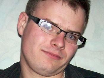 Leto 32 éves társkereső profilképe