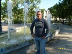 László 77 - 42 éves társkereső fotója