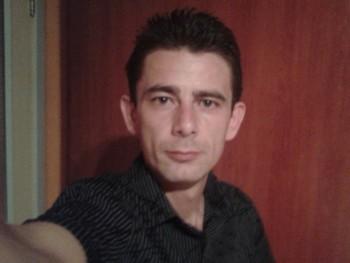 Holi 43 éves társkereső profilképe