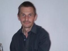 István40 - 46 éves társkereső fotója