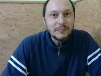 Laky 47 éves társkereső profilképe