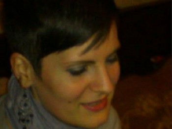 lana25 31 éves társkereső profilképe