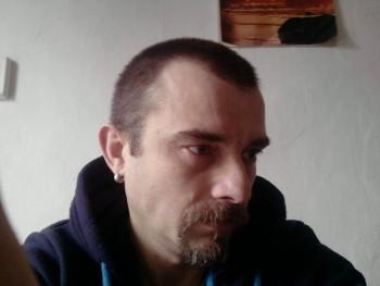 Józsi42 49 éves társkereső profilképe
