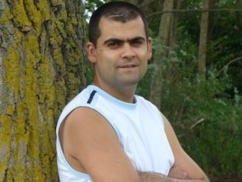 Nagy József 42 éves társkereső profilképe