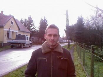 kliga32 38 éves társkereső profilképe