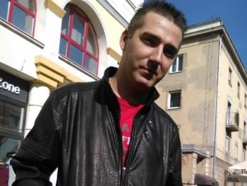 richard25 32 éves társkereső profilképe