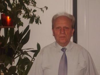 Vajda Tibor 74 éves társkereső profilképe