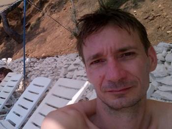 pricl 46 éves társkereső profilképe