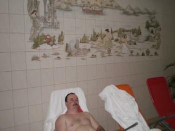 bobek 44 éves társkereső profilképe