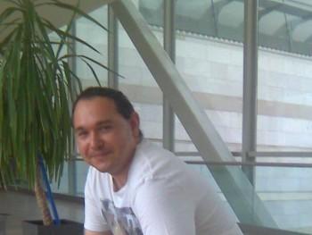 Geza19800920 41 éves társkereső profilképe
