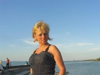 gigi13 52 éves társkereső profilképe