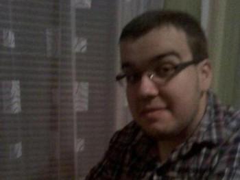 szekeres0121 28 éves társkereső profilképe