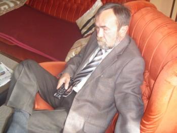 till 63 éves társkereső profilképe