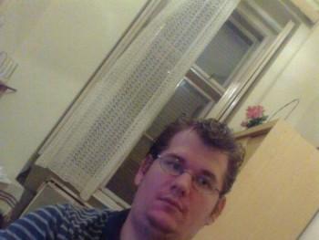 gabesz27 33 éves társkereső profilképe