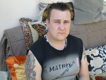 buby77 42 éves társkereső profilképe