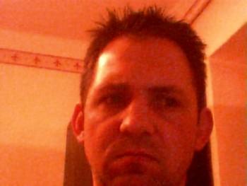 Kádár Misi 44 éves társkereső profilképe