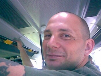 virraszto 46 éves társkereső profilképe