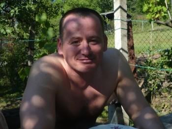 Zsolesz44 49 éves társkereső profilképe