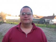 János77 - 43 éves társkereső fotója