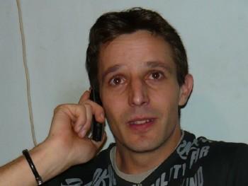 alister 46 éves társkereső profilképe