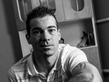 kariboy83 37 éves társkereső profilképe