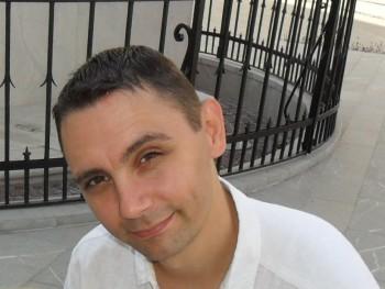 davebowman 42 éves társkereső profilképe