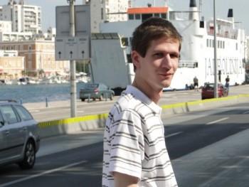 05Somebody 34 éves társkereső profilképe