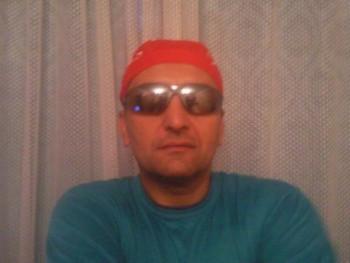 pempö 46 éves társkereső profilképe