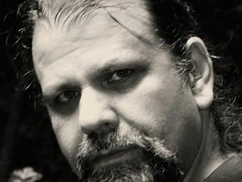 shrek 60 éves társkereső profilképe