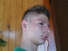 Dominik40000 - 21 éves társkereső fotója
