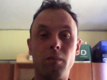 pityi 43 éves társkereső profilképe