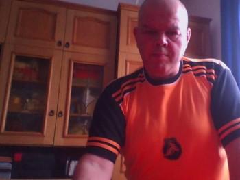kartenback 54 éves társkereső profilképe