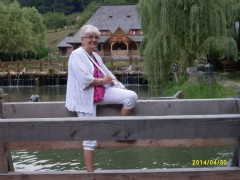 Veronika48 - 72 éves társkereső fotója