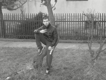 Márton Ferenc 23 éves társkereső profilképe