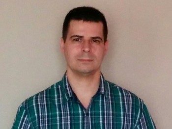 Keresempárom 39 éves társkereső profilképe