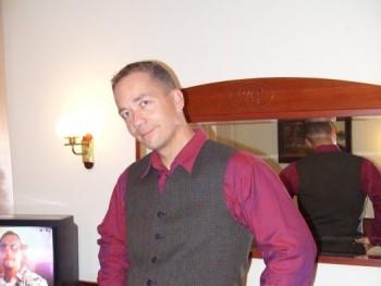 Paris 47 éves társkereső profilképe